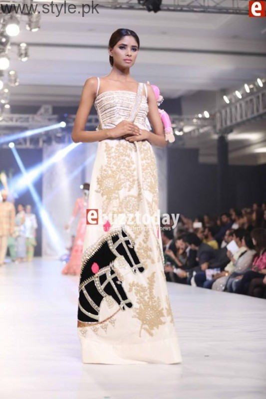 PFDC L'Oréal Paris Bridal Week 2016 Day 3 Pictures (20)