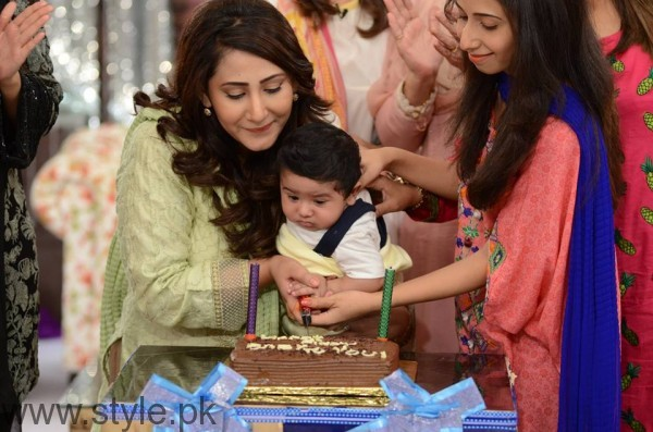See Pari Hashmi with her baby in Good Morning Pakistan