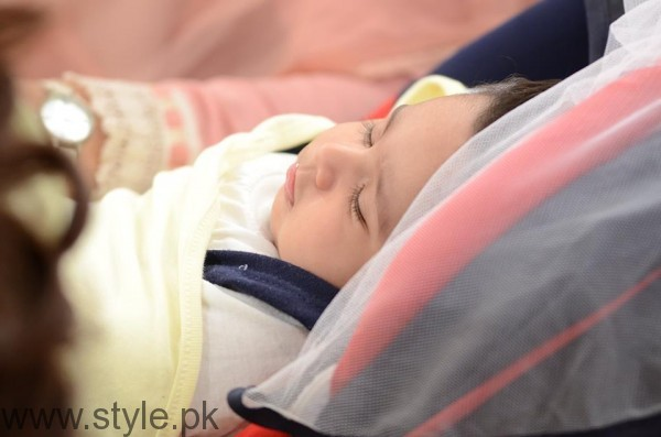Pari Hashmi with her baby in Good Morning Pakistan (5)