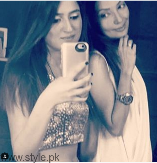 Pictures of Natasha Hussain with her daughter (5)