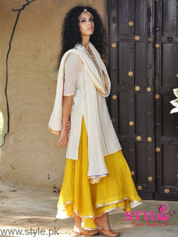 Skirting it out - A simple long kurta with an ethnic skirt
