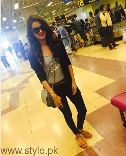 Spotted Saba Qamar at Lahore Air Port (2)