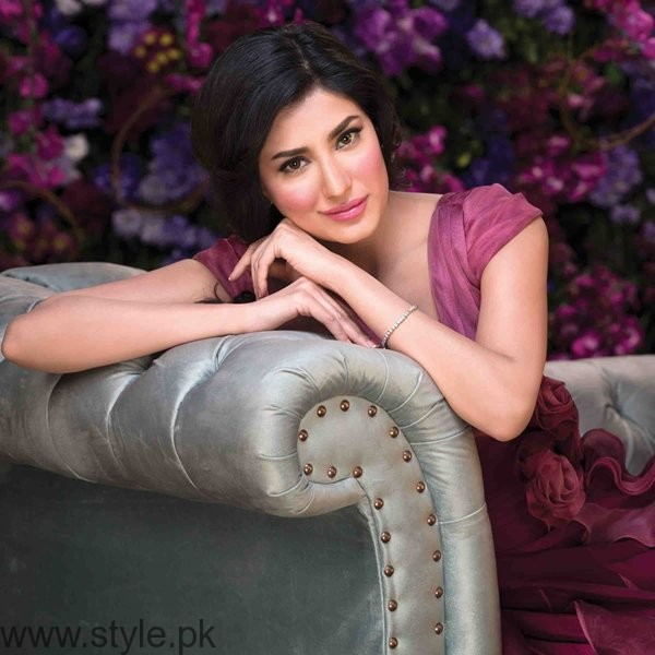 Which Pakistani Actresses Always Cast For Lead Role In Dramas003
