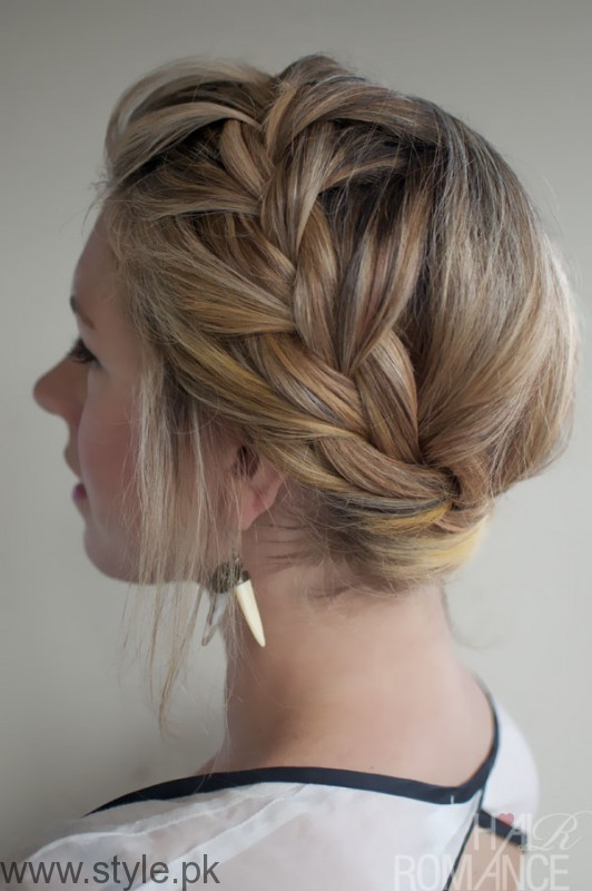7 Best Hairstyles for Office Look (8)