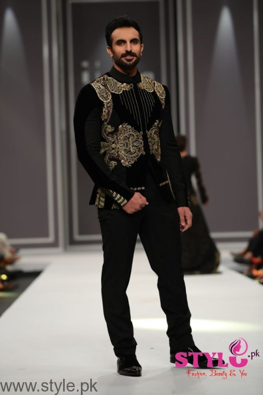 Arsalan Iqbal collection at Fashion Pakistan Week 2016 (2)