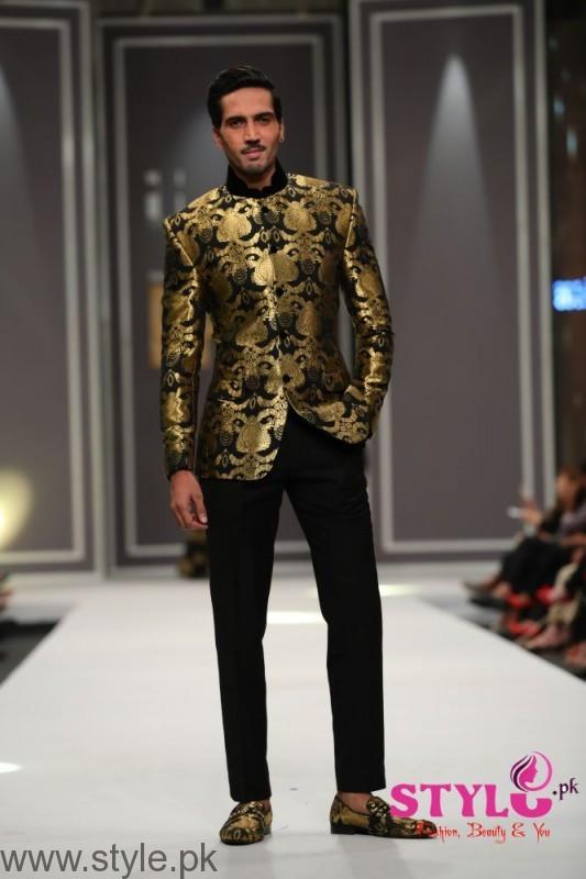 Arsalan Iqbal collection at Fashion Pakistan Week 2016 (3)
