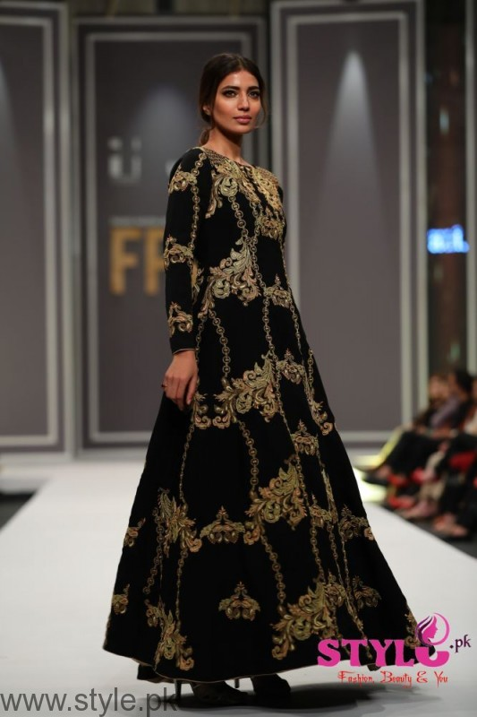 Arsalan Iqbal collection at Fashion Pakistan Week 2016 (4)