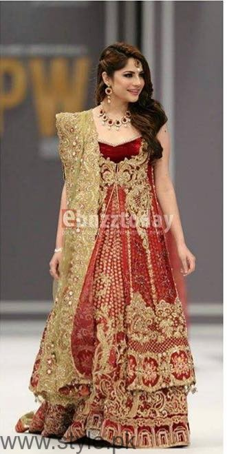 Bold Look of Neelum Muneer at Fashion Pakistan Week (2)