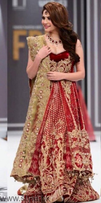 Bold Look of Neelum Muneer at Fashion Pakistan Week (3)