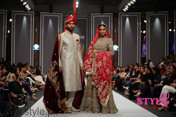 Deepak Perwani Fashion Pakistan Week 2016 (2)