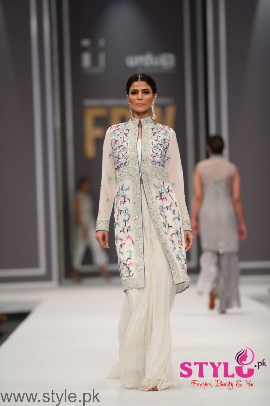 Natasha Kamal's Dresses at FPW2016 (4)