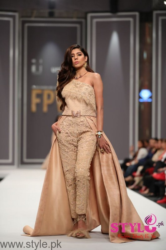 Fashion pakistan week 2016 day 2 pictures and highlights Fashion style in pakistan 2013