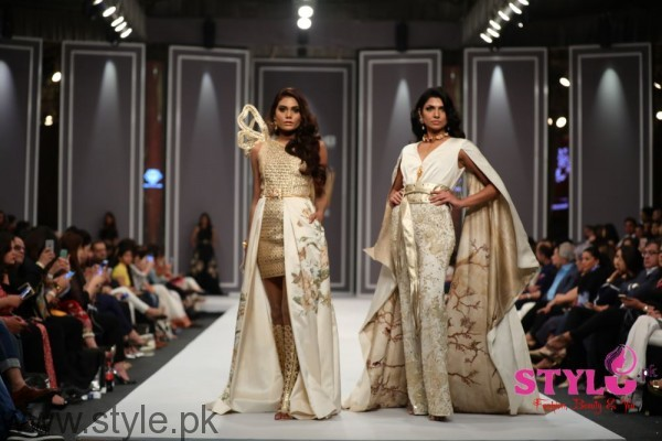 Shehla Chatoor Fashion Pakistan Week 2016 Day 2 (5)