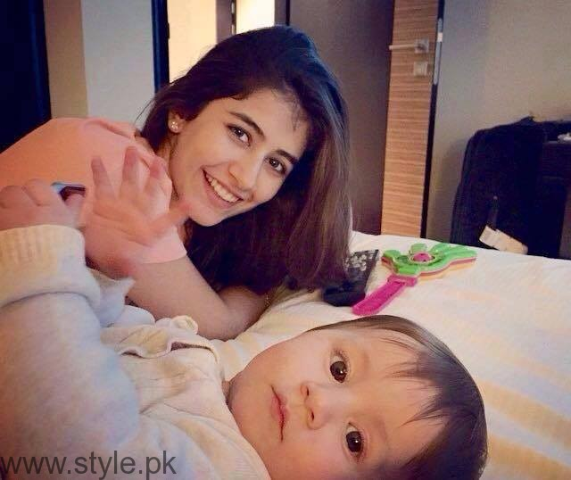 Syra Shahroz - Beautiful Mom