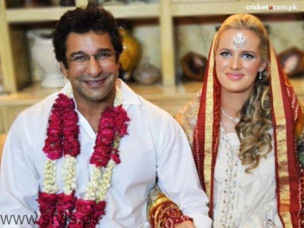 Wasim Akram Shaniera Thompson Age Difference