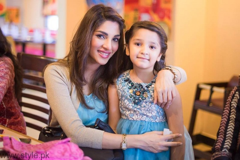 ZhalaySarhadi and Daughter