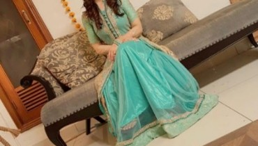 See Aiman Khan and Muneeb Butt's First Dholki Pictures