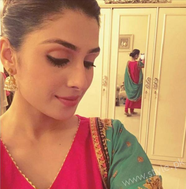 Ayeza Khan Desi Pink Outfit