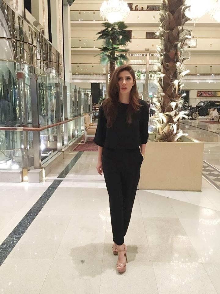 Mahira Khan Sexiest asian woman