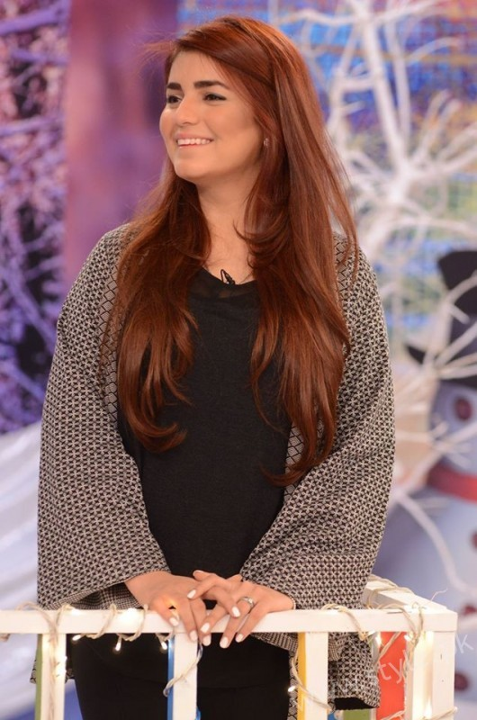 Momina Mustehsan Good Morning Pakistan Show Pictures (9)
