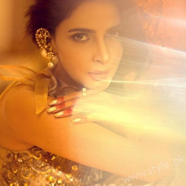 Saba Qamar Erum Khan Bridal Couture Campaign 2016-17 (5)