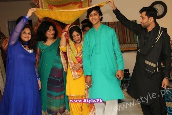 Yasra Rizvi Hadi Mehndi Pictures (3)