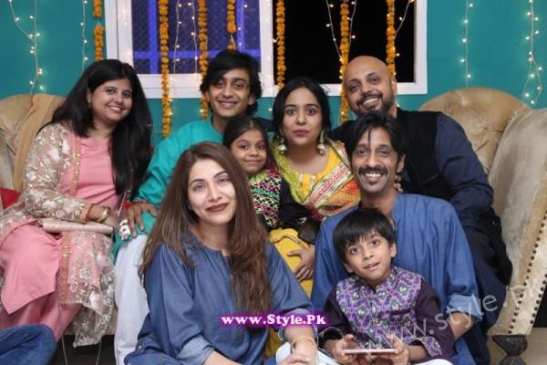 Yasra Rizvi Mehndi Pictures (1)