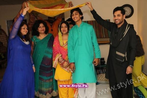 Yasra Rizvi Mehndi Pictures (2)