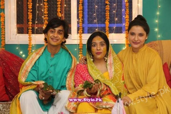 Yasra Rizvi Mehndi Pictures (7)