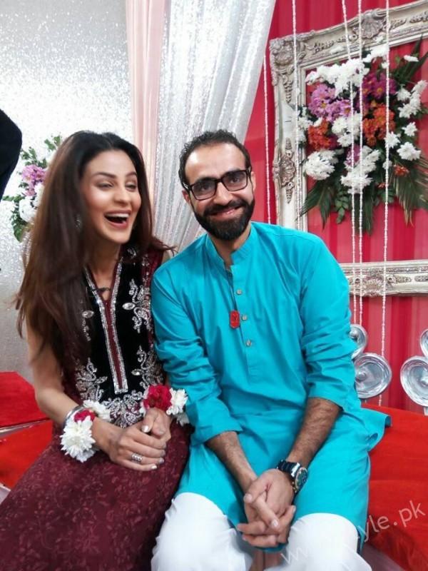 Yasra Rizvi and Abdul Hadi in Sanam Baloch Show (8)