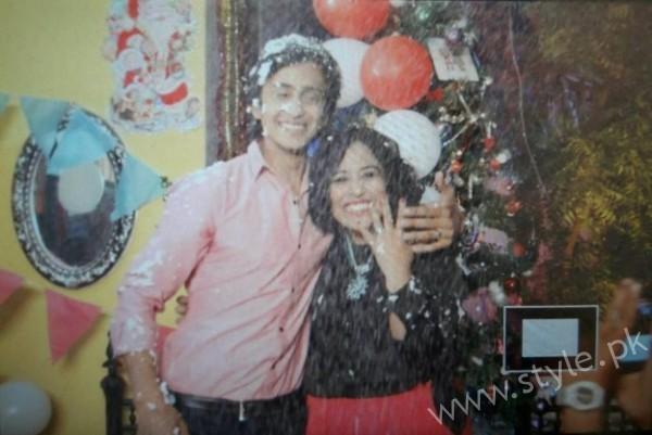 Yasra Rizvi's Engagement Pictures (14)