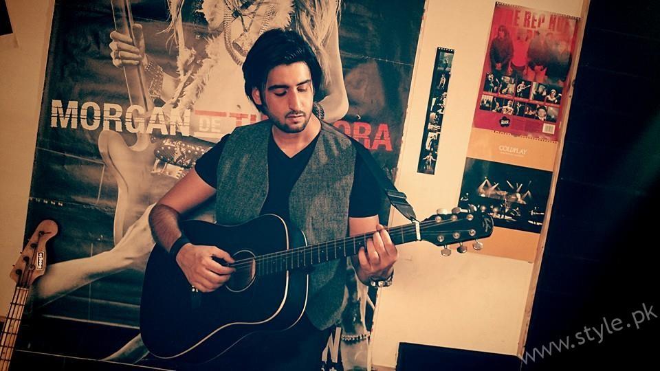 Aagha Ali- Pakistani Actors turned Singers