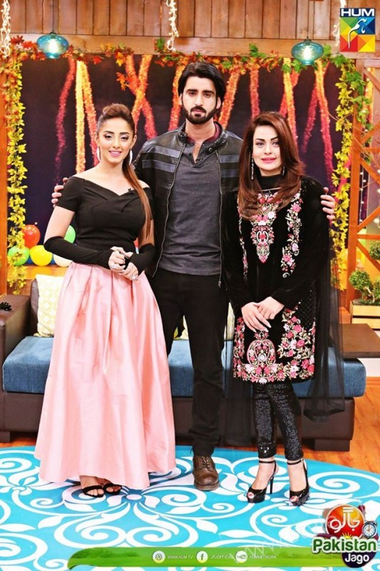 Agha Ali and Sanam Chaudhry in Jago Pakistan Jago (10)