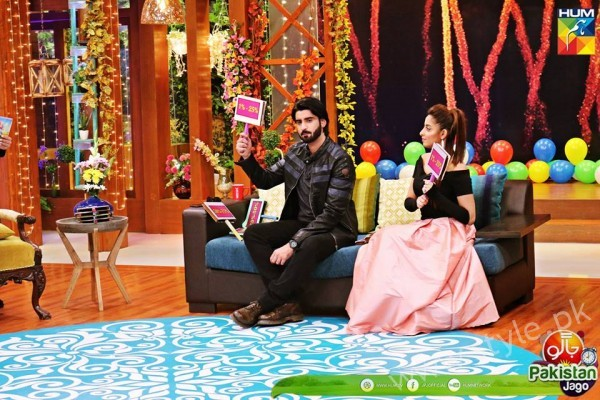 Agha Ali and Sanam Chaudhry in Jago Pakistan Jago (13)