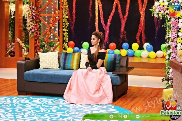 Agha Ali and Sanam Chaudhry in Jago Pakistan Jago (14)