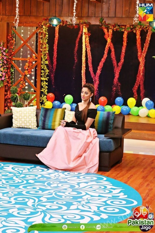 Agha Ali and Sanam Chaudhry in Jago Pakistan Jago (15)