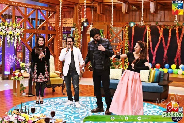 Agha Ali and Sanam Chaudhry in Jago Pakistan Jago (8)