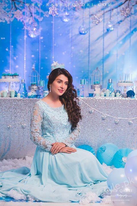Ayeza Khan's Birthday Celebration (4)