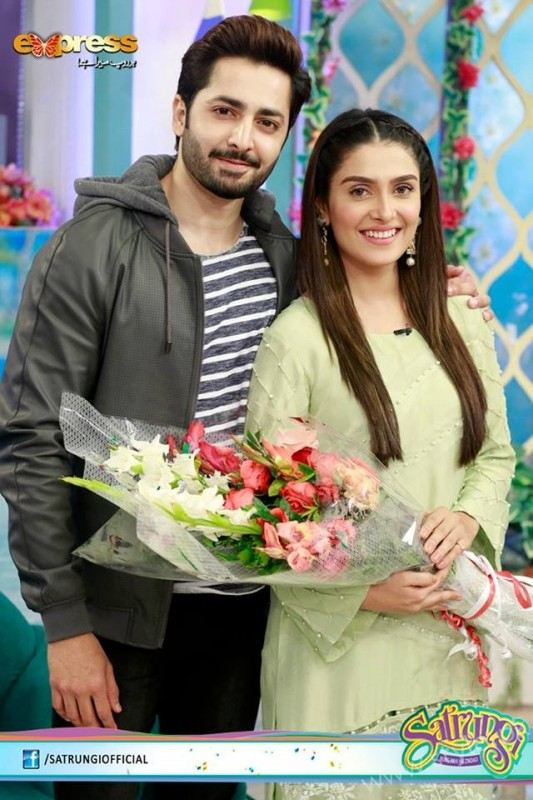 Ayeza Khan's surprise Birthday Celebration in Morning Show 'Satrungi' (16)