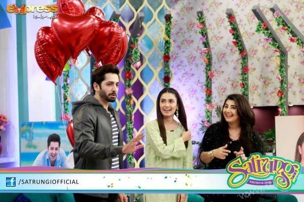 Ayeza Khan's surprise Birthday Celebration in Morning Show 'Satrungi' (20)