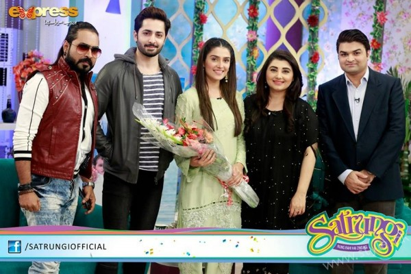 Ayeza Khan's surprise Birthday Celebration in Morning Show 'Satrungi' (30)