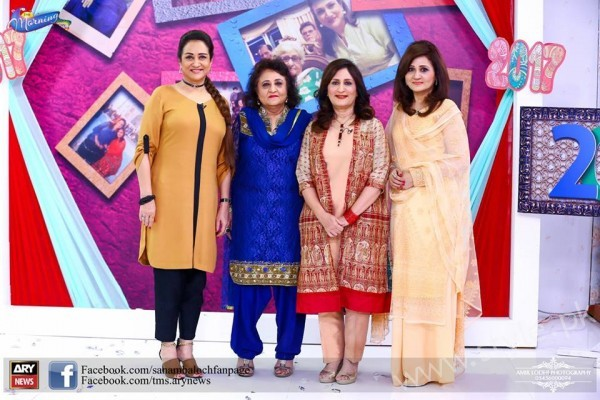 Bushra Ansari, Asma Abbas and Sisters at Sanam Baloch Show (3)