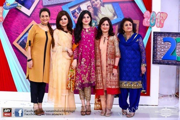 Bushra Ansari, Asma Abbas and Sisters at Sanam Baloch Show (5)