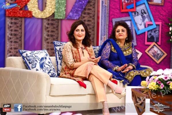 Bushra Ansari, Asma Abbas and Sisters at Sanam Baloch Show (6)