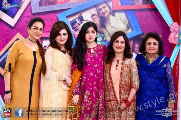 Bushra Ansari, Asma Abbas and Sisters at Sanam Baloch Show (7)