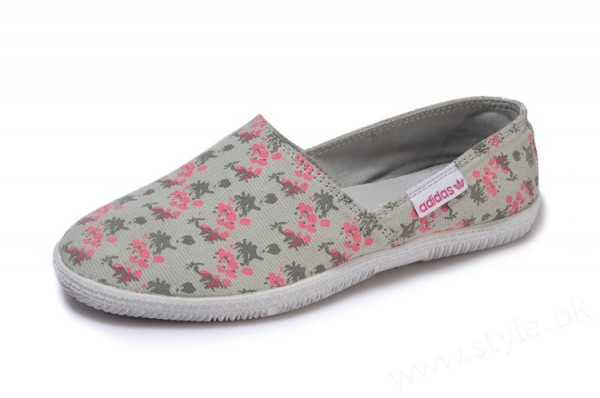 Canvas Shoes for Men, Women and Girls in Pakistan (7)