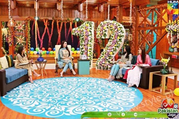 Kubra Khan, Sarah Khan, Iqra Aziz and Sonya Hussain at 12 Anniversary of HUM TV (10)