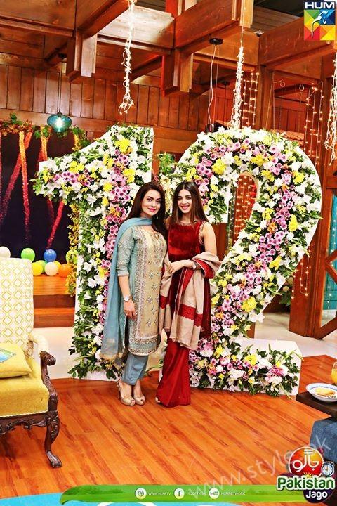 Kubra Khan, Sarah Khan, Iqra Aziz and Sonya Hussain at 12 Anniversary of HUM TV (13)