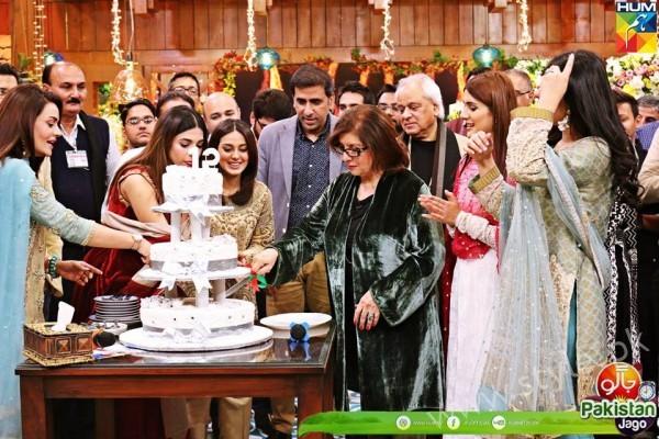 Kubra Khan, Sarah Khan, Iqra Aziz and Sonya Hussain at 12 Anniversary of HUM TV (2)