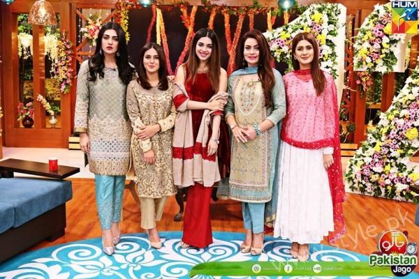 Kubra Khan, Sarah Khan, Iqra Aziz and Sonya Hussain at 12 Anniversary of HUM TV (21)